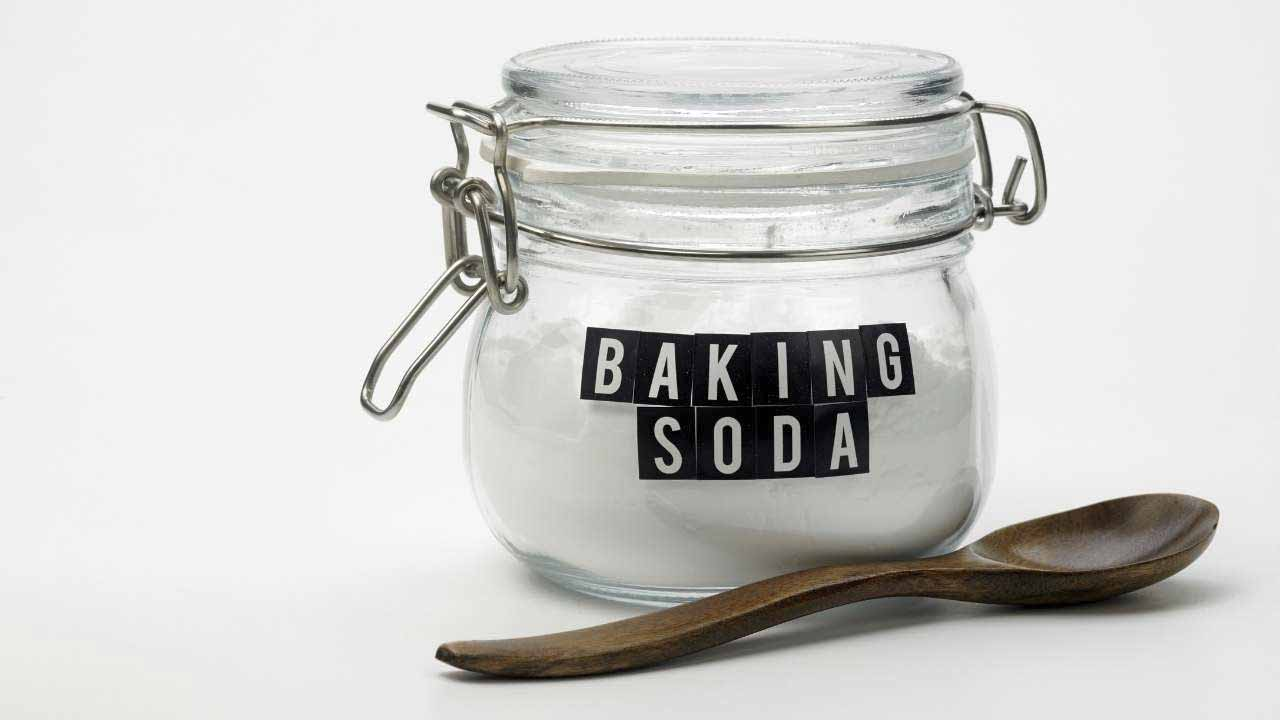 clean a toaster oven with baking soda