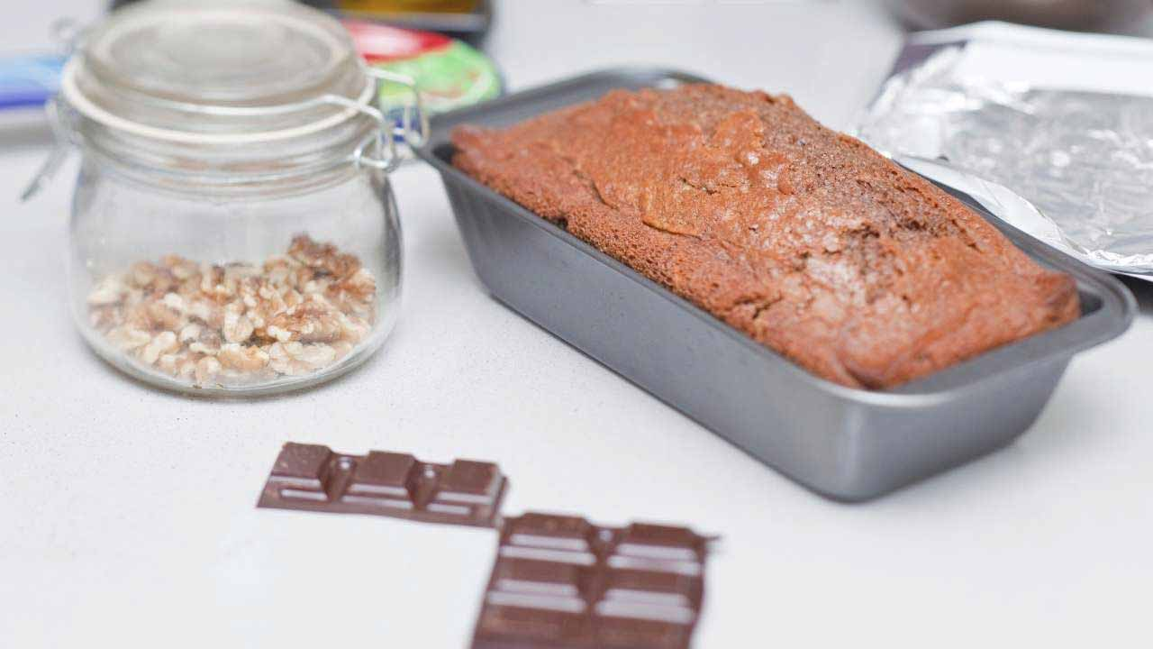 Let Baked Cake Cool Down