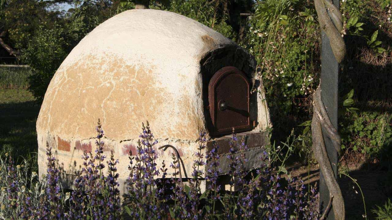 building-an-outdoor-pizza-oven-stage-9
