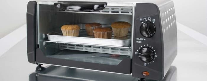 Toaster ovens are mini-ovens with certain added features, such as defrosting