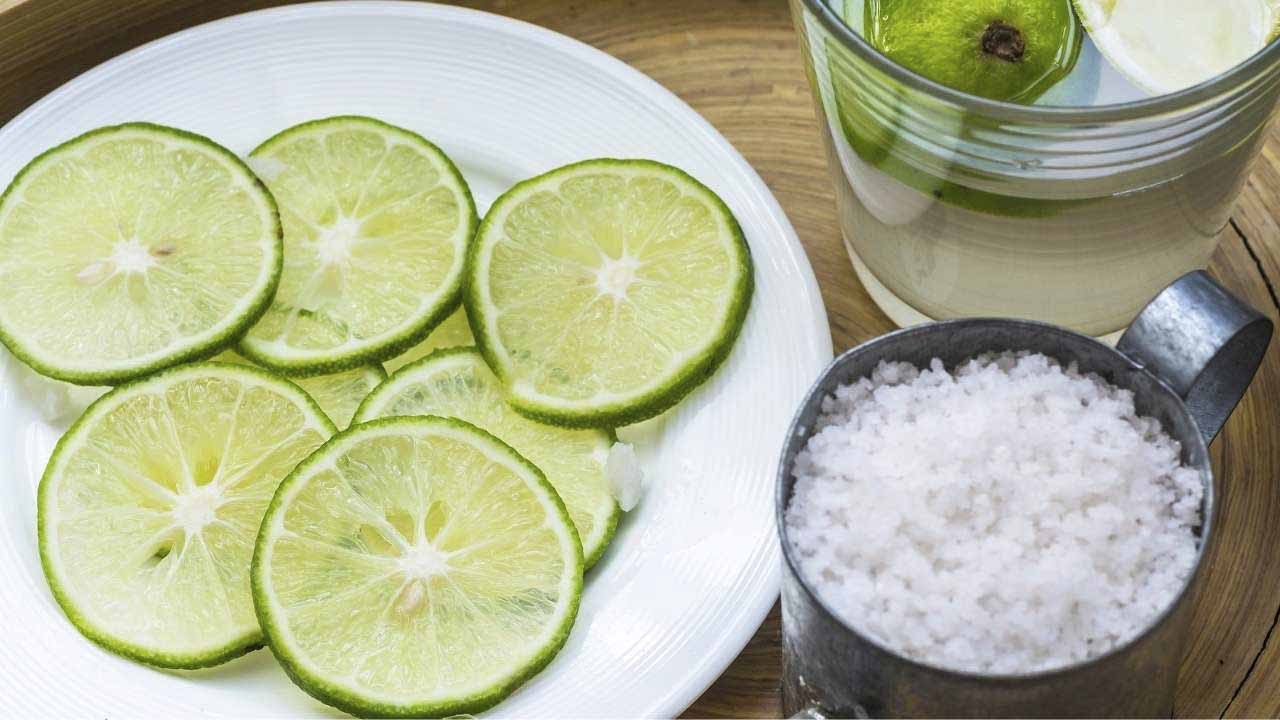 how to clean a dutch oven with lemon juice and salt