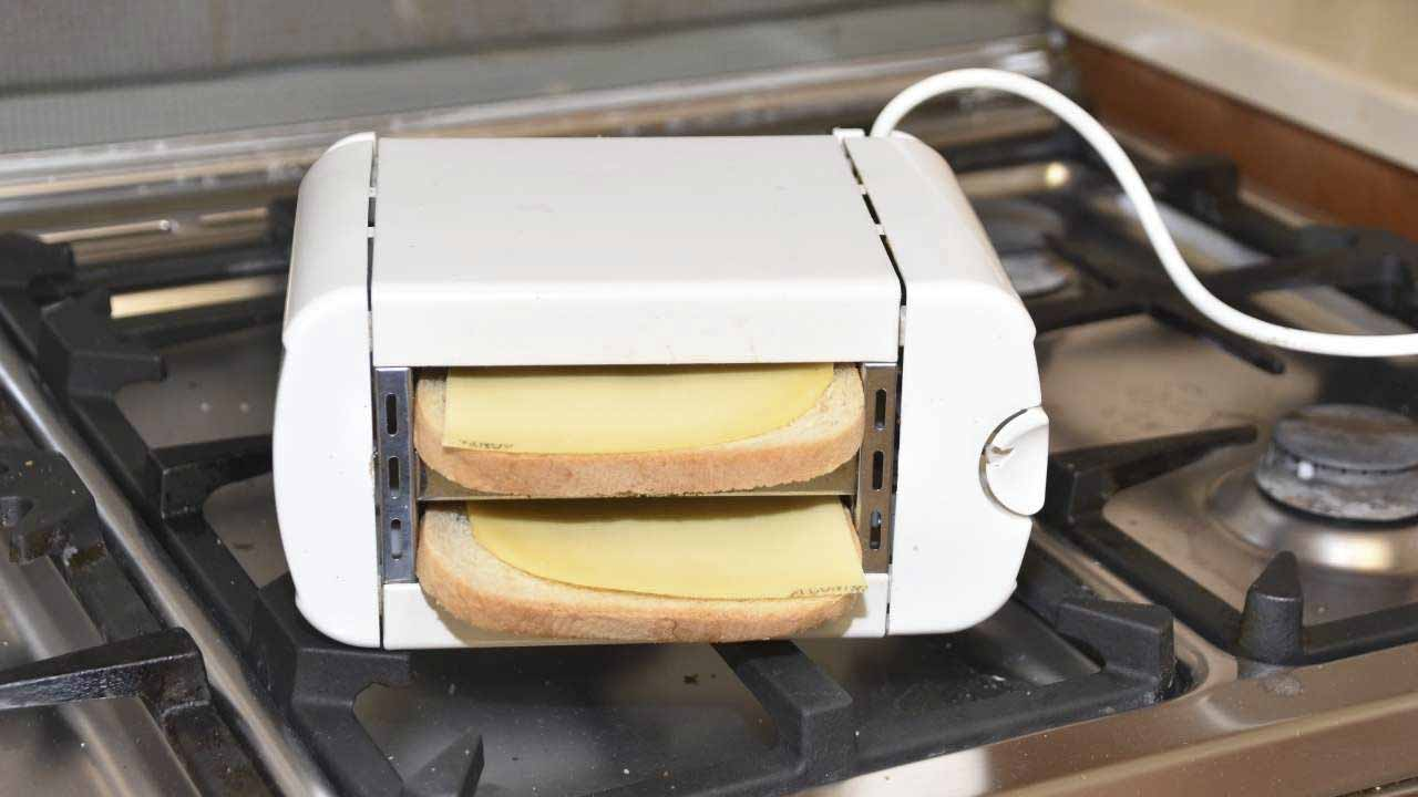 how to use a toaster oven for toast