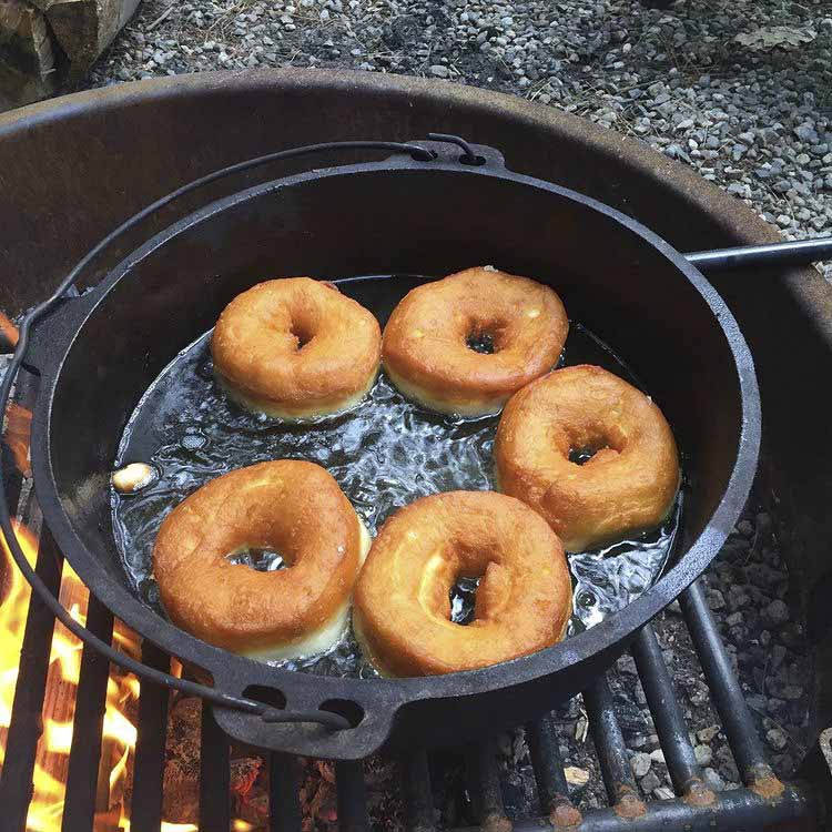 using a dutch oven to make bread